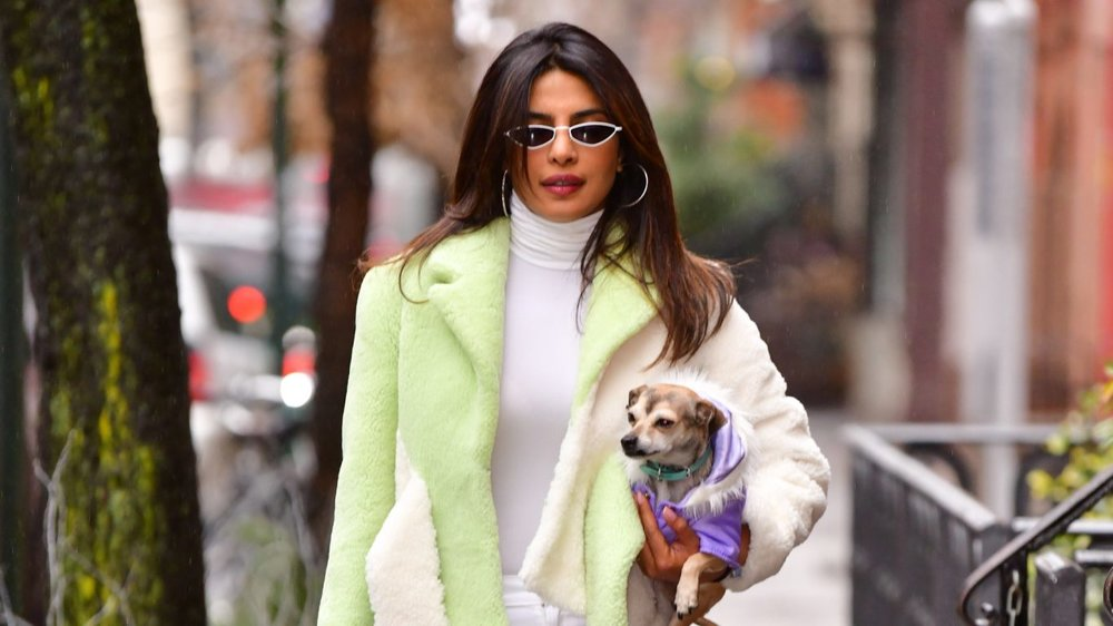 Priyanka reveals she didn't want Diana to suffer from the cold and end up getting sick, so she gave her a fancy gift to keep herself warm and comfortable.