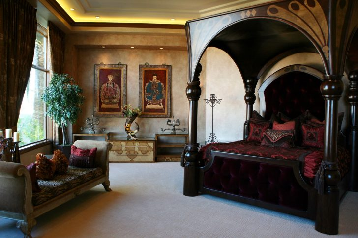 Nicolas Cage once slept in an elegant master bedroom with king-sized bed and exquisite paintings mounted on his walls in one of his previous abode.
