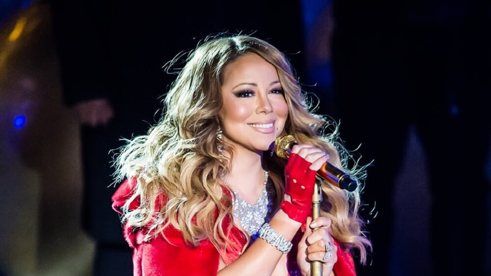 Mariah Carey Proves She's The Queen of Christmas As She Continues to Earn Big From This Hit Song ...